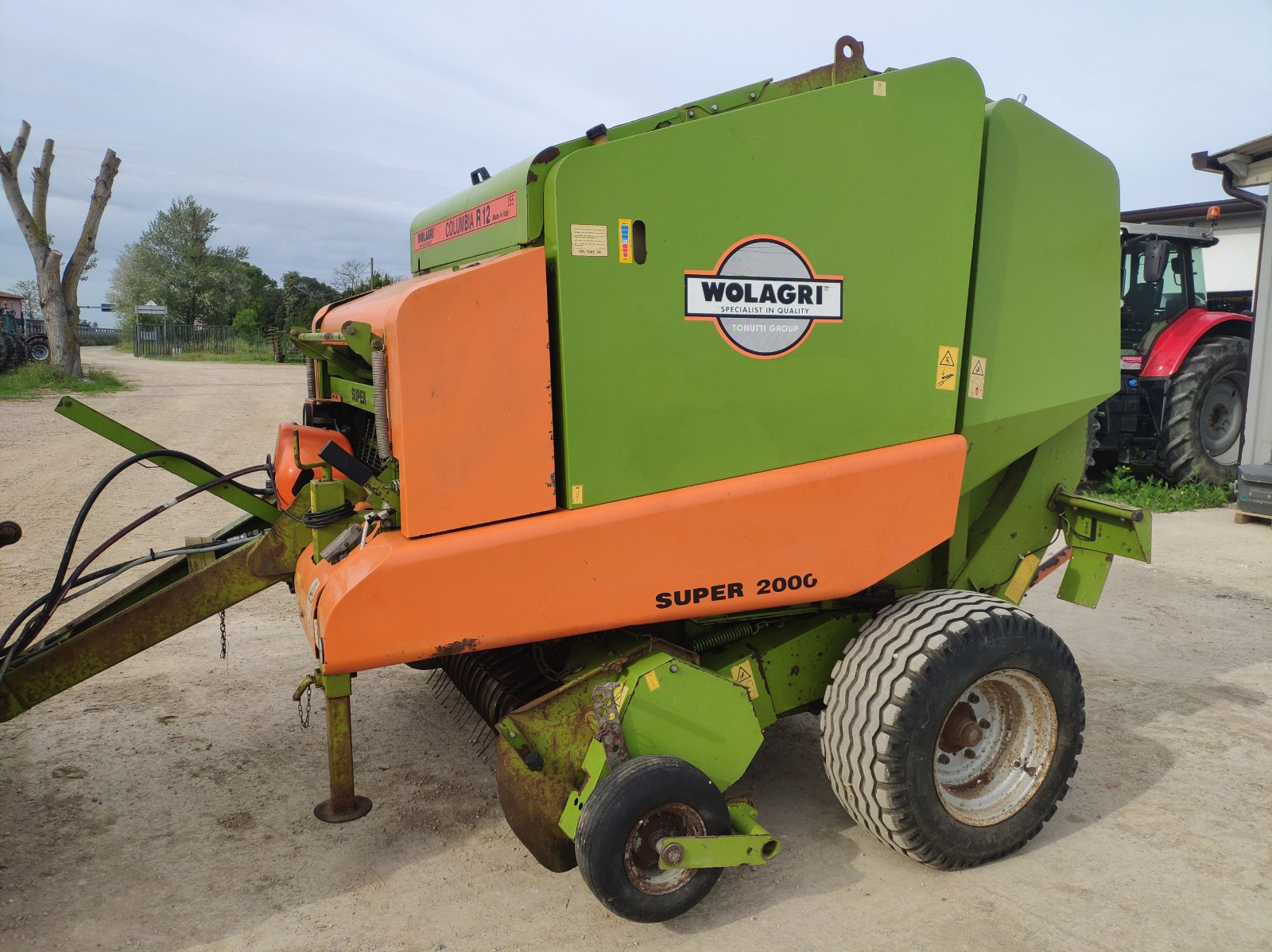 Chain baler in good condition.