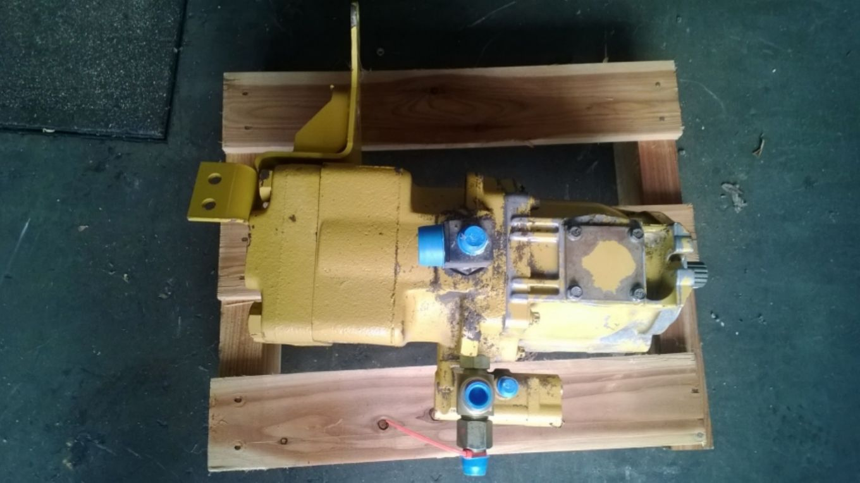 Pompa idraulica di sterzo, pilotaggi e braccio